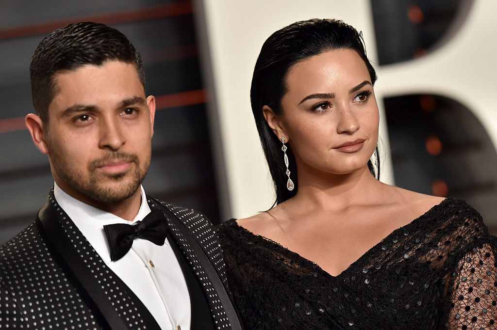 BEVERLY HILLS, CA - FEBRUARY 28: Actor Wilmer Valderrama and singer Demi Lovato arrives at the 2016 Vanity Fair Oscar Party Hosted By Graydon Carter at Wallis Annenberg Center for the Performing Arts on February 28, 2016 in Beverly Hills, California. (Photo by Axelle/Bauer-Griffin/FilmMagic)