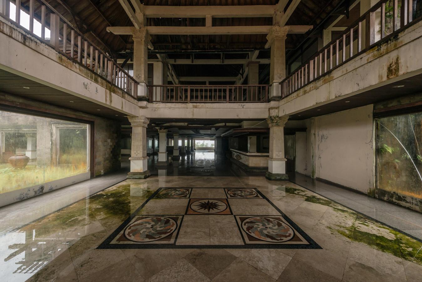 abandonedbalihotelseven.jpg
