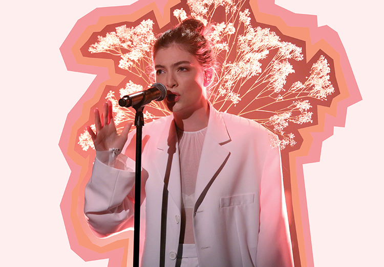 Lorde performing her new music.