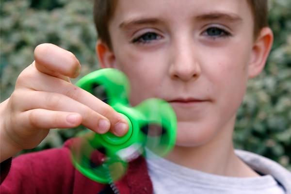 green-fidget-spinner.jpg