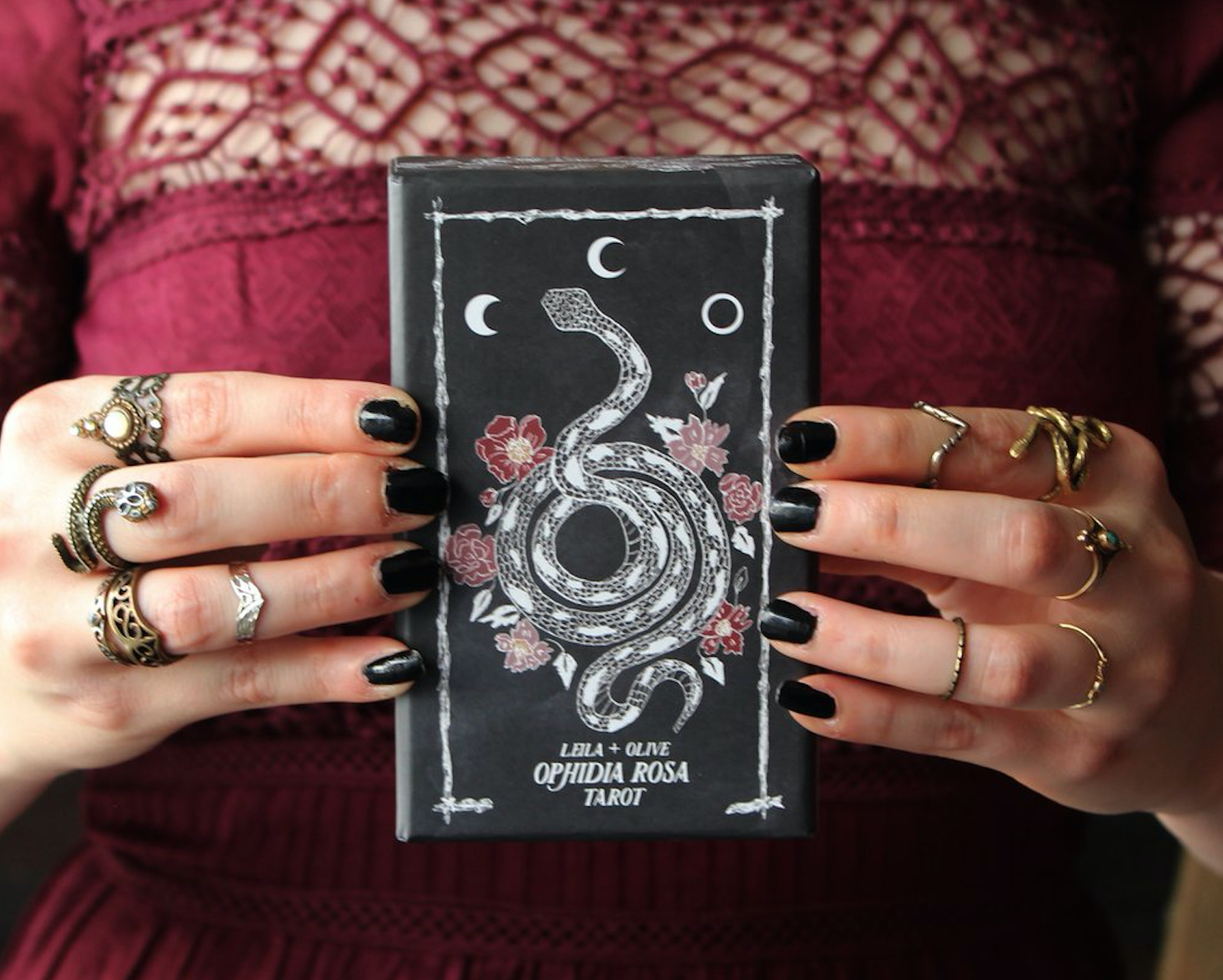 leila and olive tarot deck