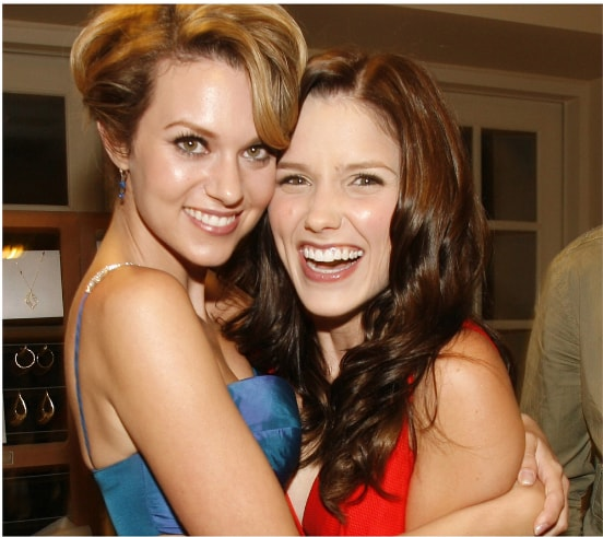 One Tree Hill cast members Sophia Bush and Hilarie Burton pose together