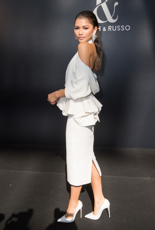 Zendaya_white_outfit.jpg
