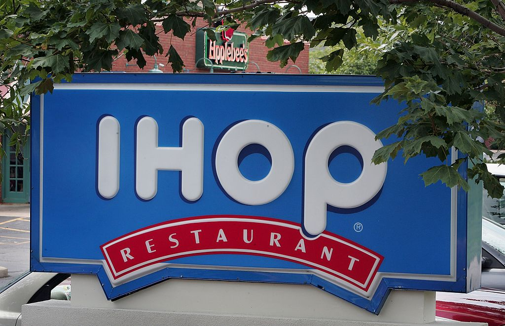 An IHOP sign