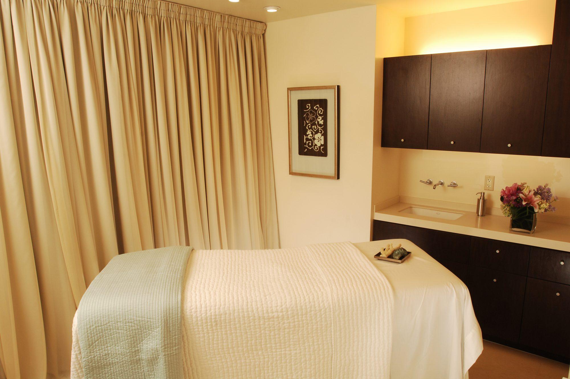 ARCONA-Treatment-Room.jpg