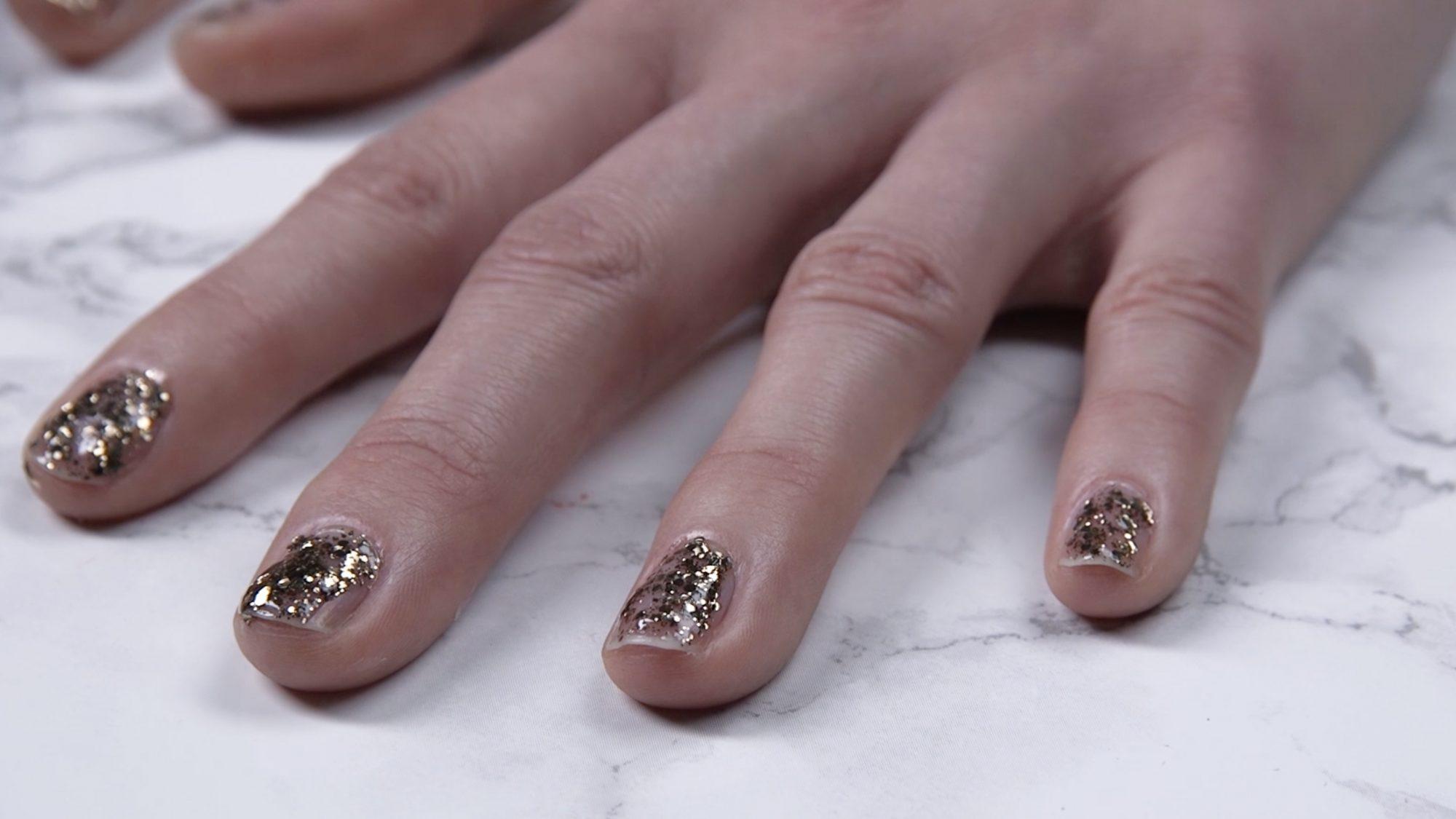 Glitter Nail Polish Hack