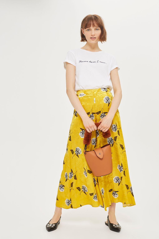 Jessica-Alba-Yellow-Floral-Print.jpg