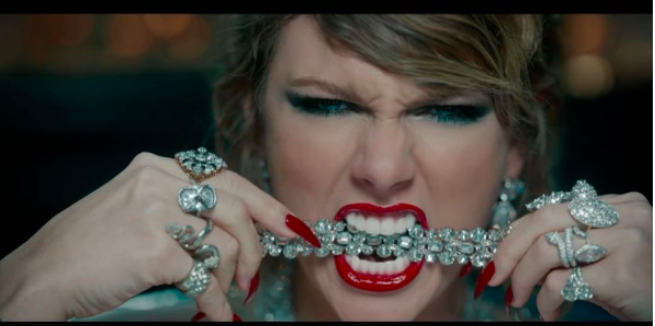 Taylor Swift LWYMMD video