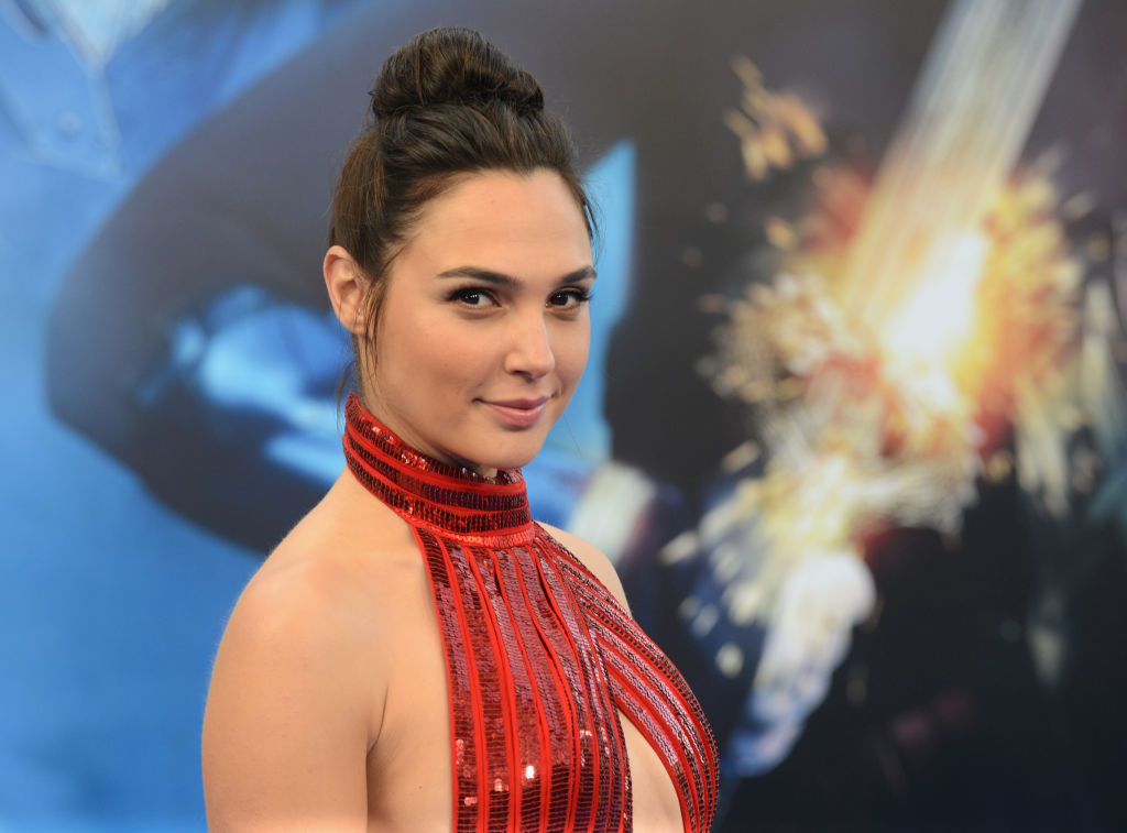 """Gal Gadot arrives for the Premiere Of Warner Bros. Pictures' """"Wonder Woman"""" held at the Pantages Theatre on May 25, 2017 in Hollywood, California."""