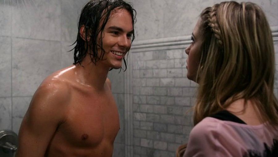PLL scene with Hannah and Caleb in the shower
