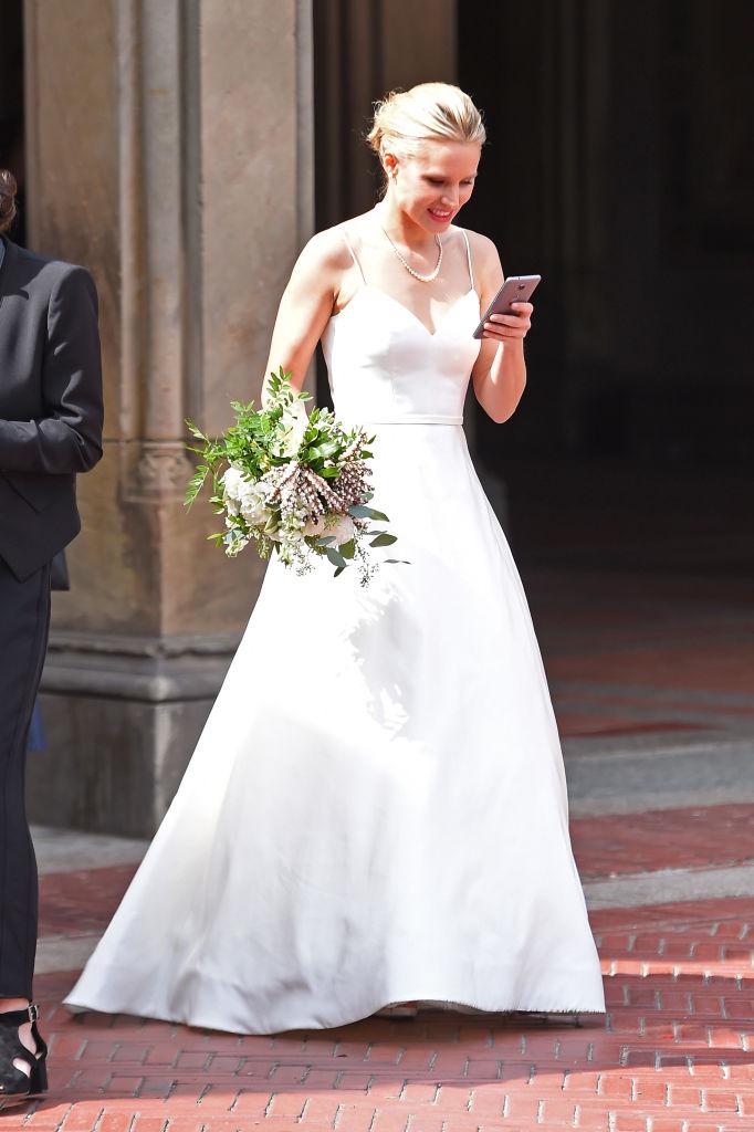 Kristen-Bell-Wedding-Dress-One.jpg