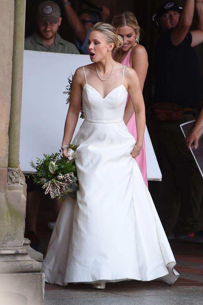 Kristen-Bell-Wedding-Dress.jpg