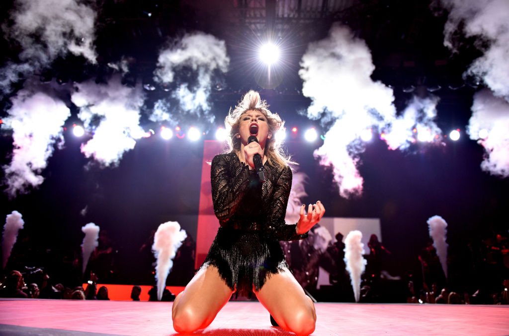Taylor Swift performs at DIRECTV NOW Super Saturday Night Concert at Club Nomadic on February 4, 2017 in Houston, Texas.