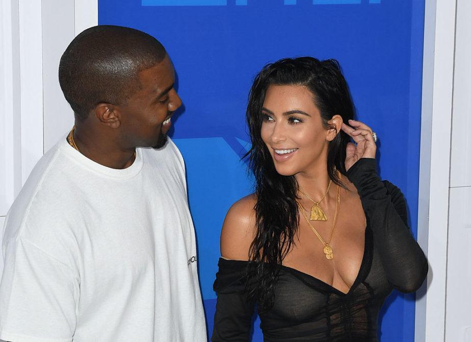 Kim-Kardashian-smiling-e1504978677110.jpg