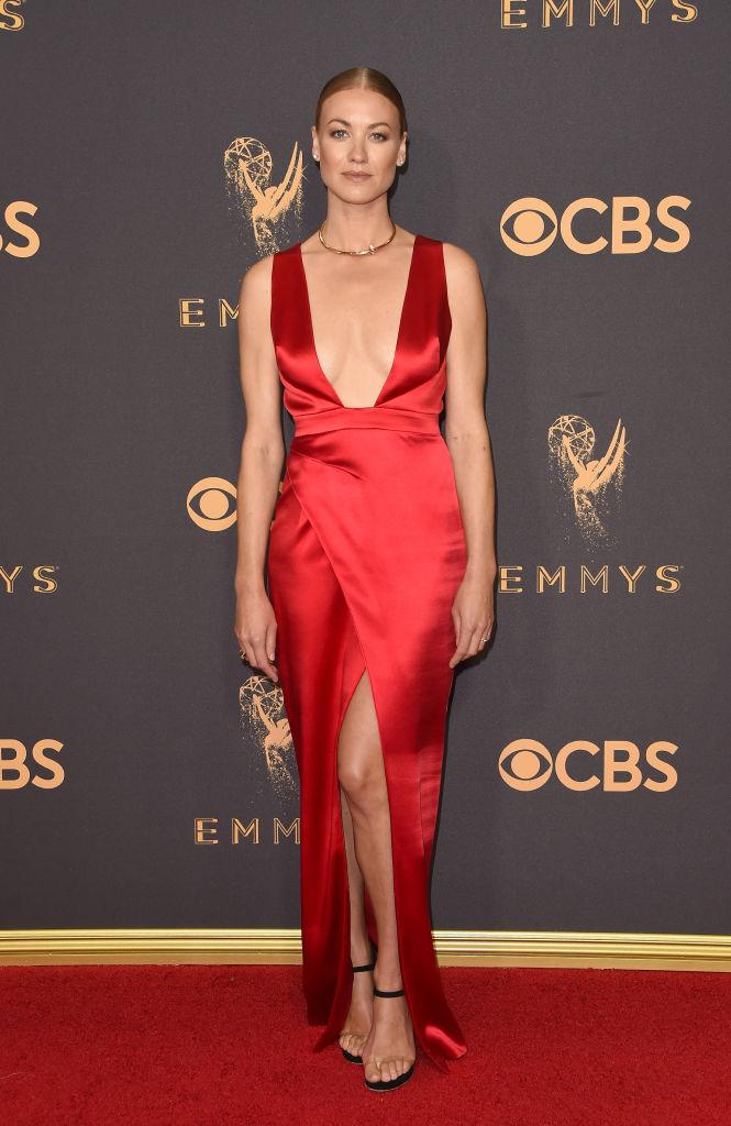 Yvonne-Strahovski-Emmys-best-dressed.jpg
