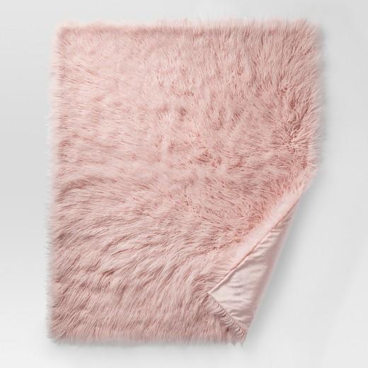 Monogolian-pink-faux-fur-blanket.jpeg