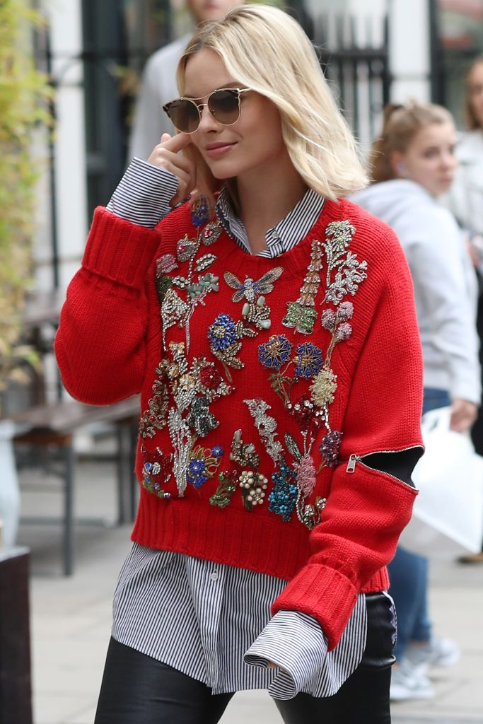 margot-robbie-grandma-sweater-one.jpg