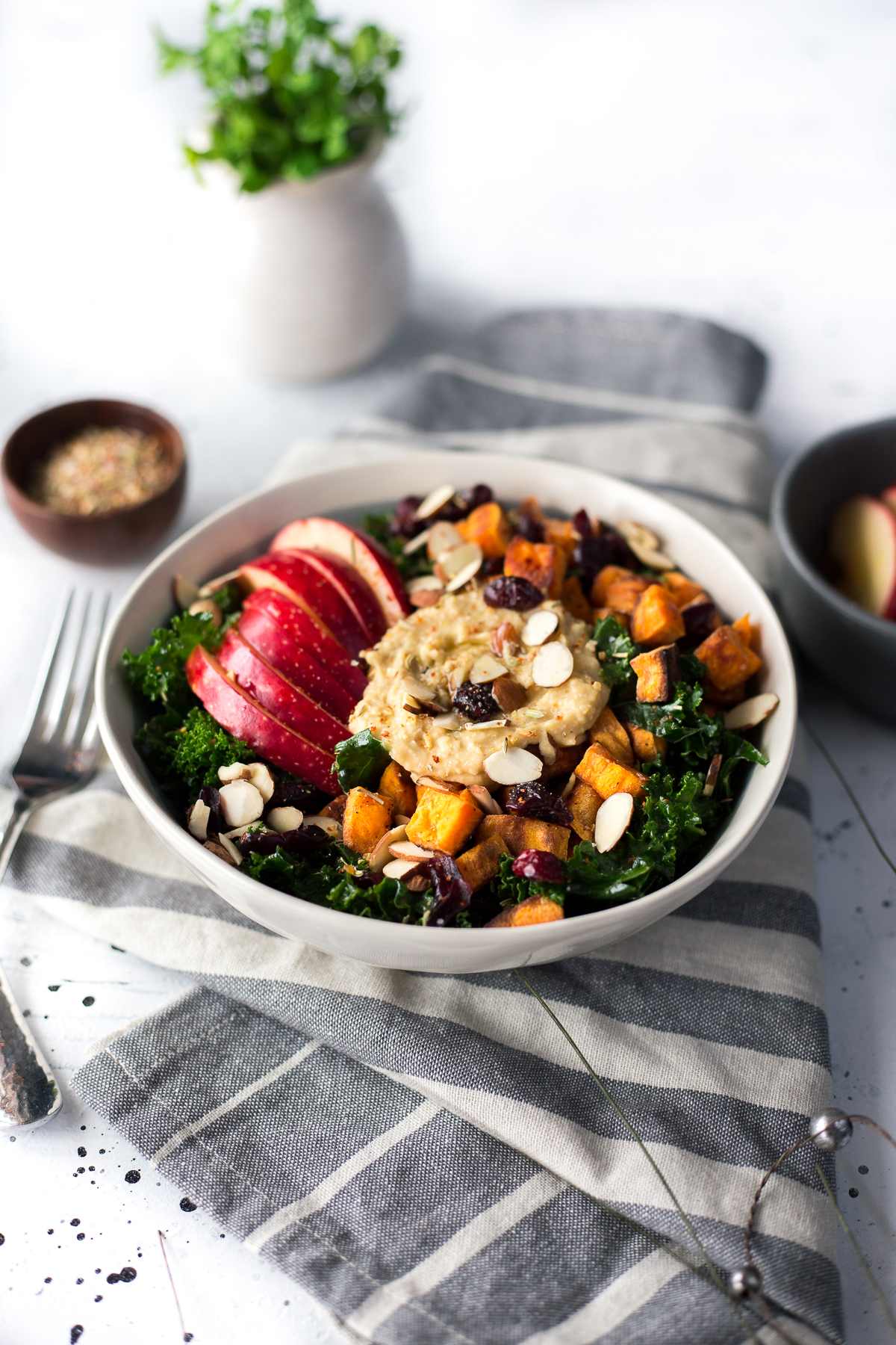 kale hummus bowl