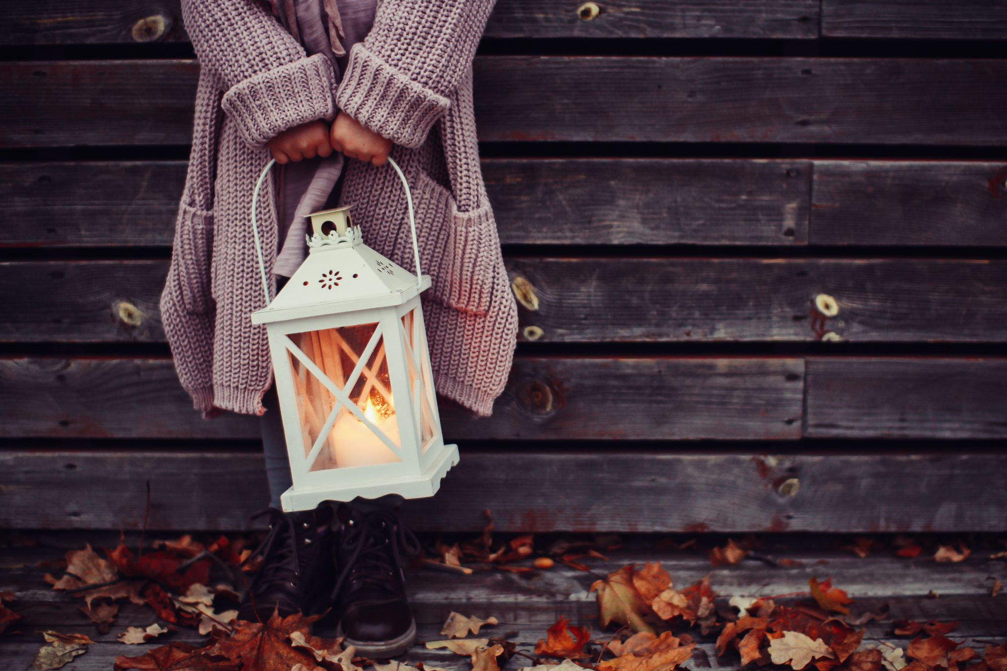 candle-sweater-light-fall-weather