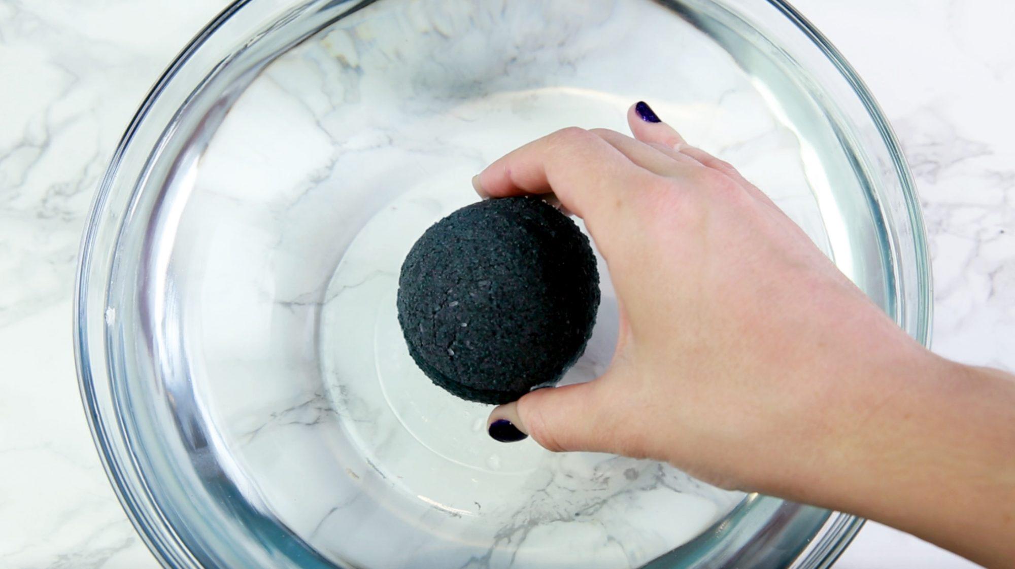 DIY Black Bath Bomb