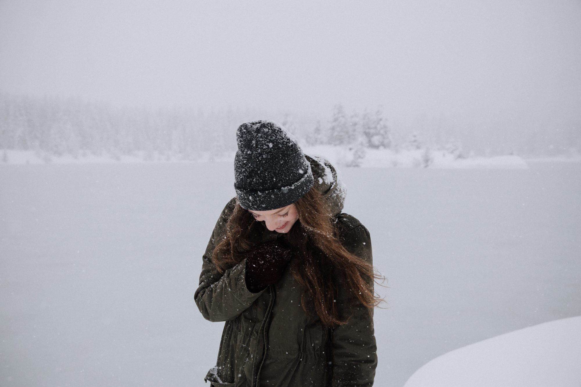 woman-walking-in-snow
