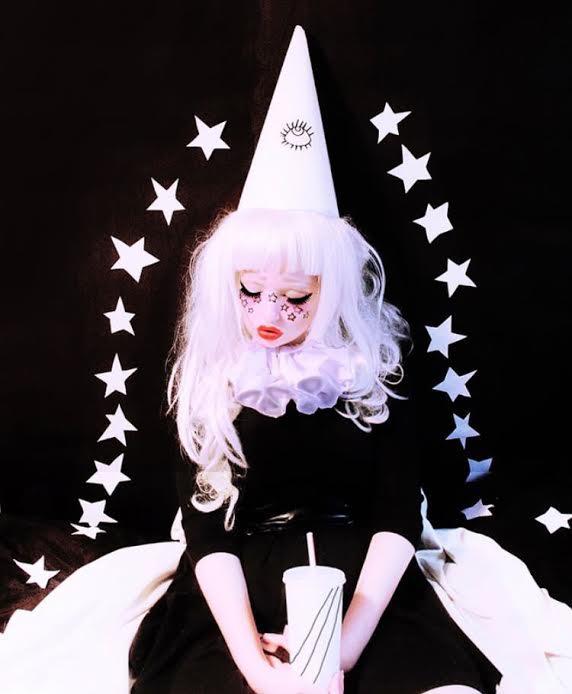 valfre-stars-dolls-makeup.jpg