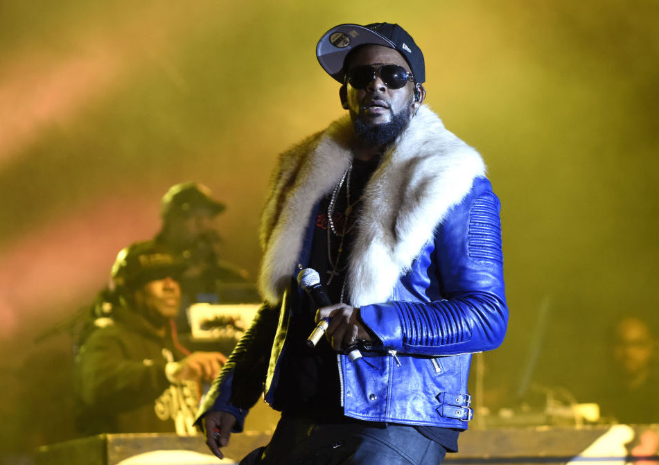 R. Kelly performs in 2017