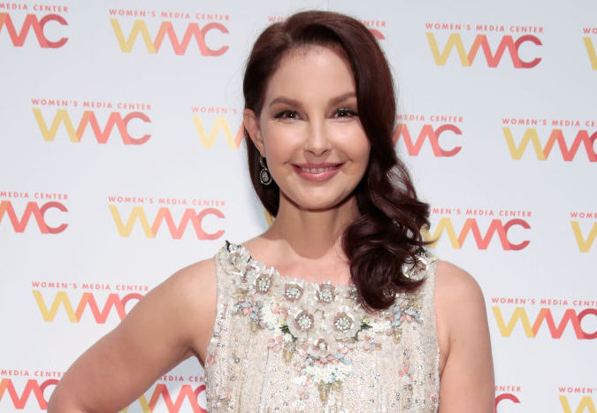 Picture of Ashley Judd White Dress