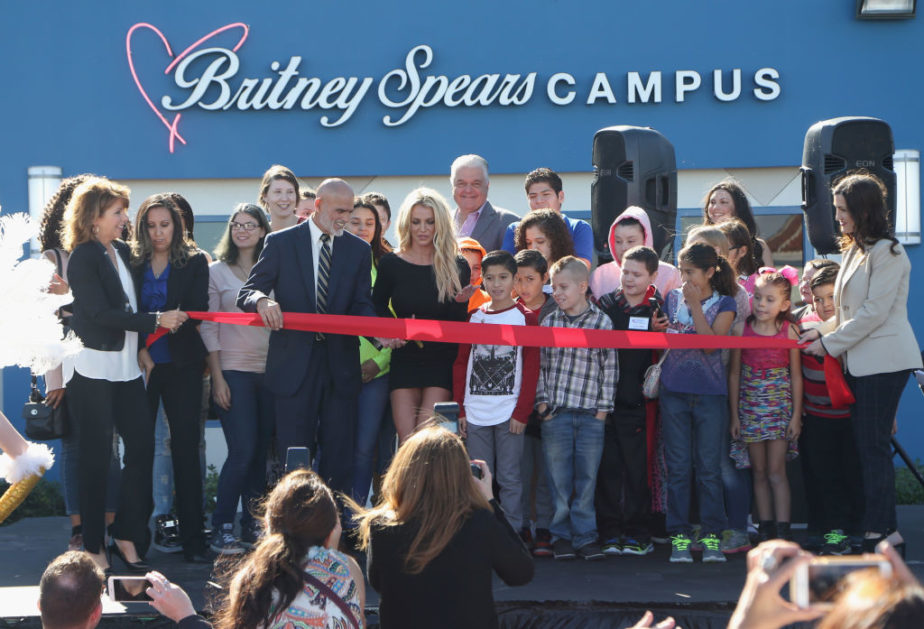 Britney-Spears-Vegas-ribbon-cutting-e1509901010452.jpg
