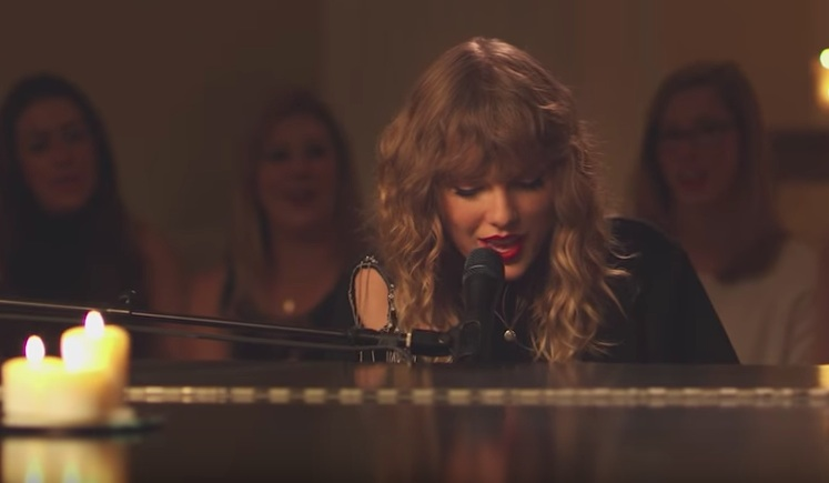 Taylor Swift New Years Day performance