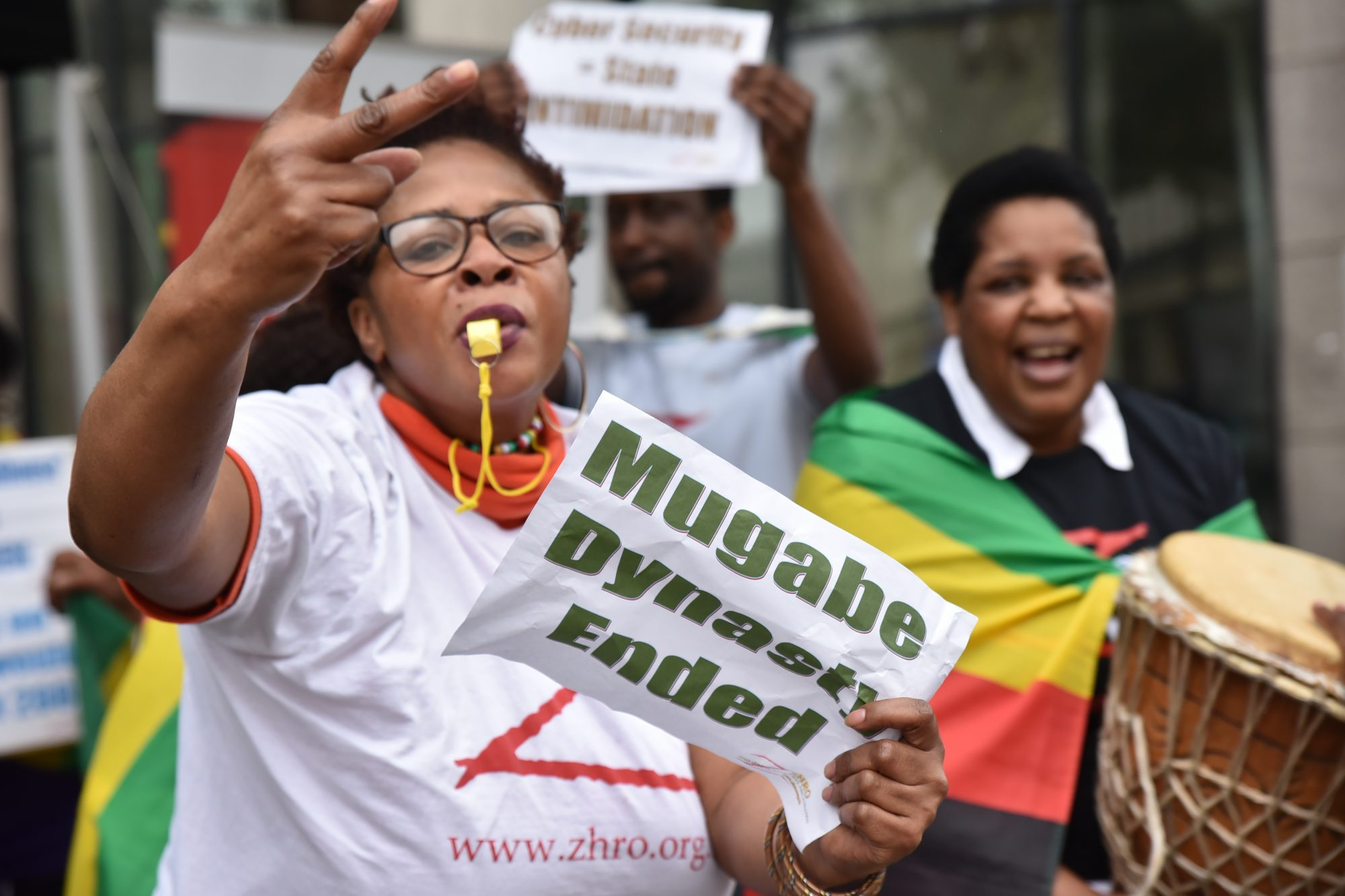 zimbabwe-citizens.jpg