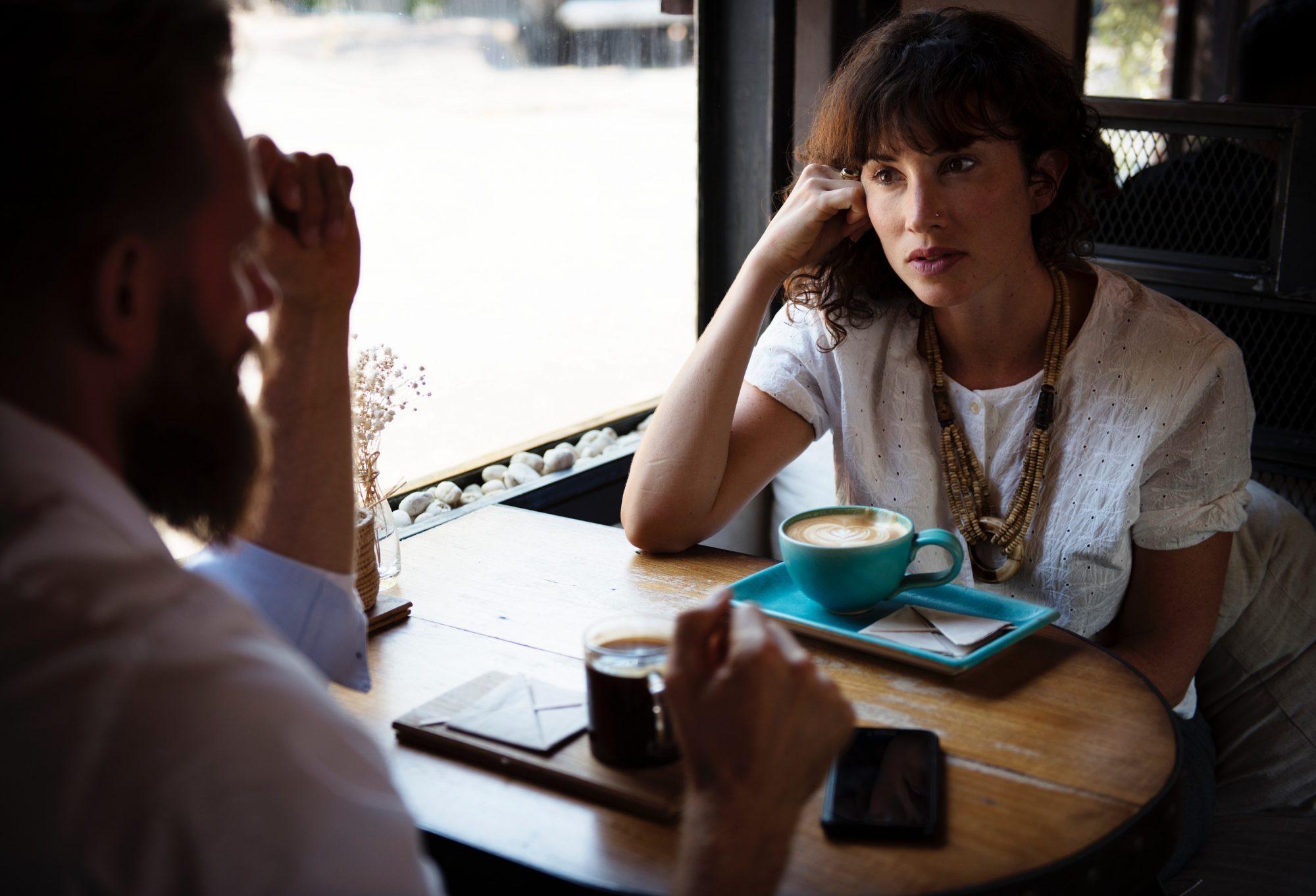 rawpixel-man-woman-talking-coffee