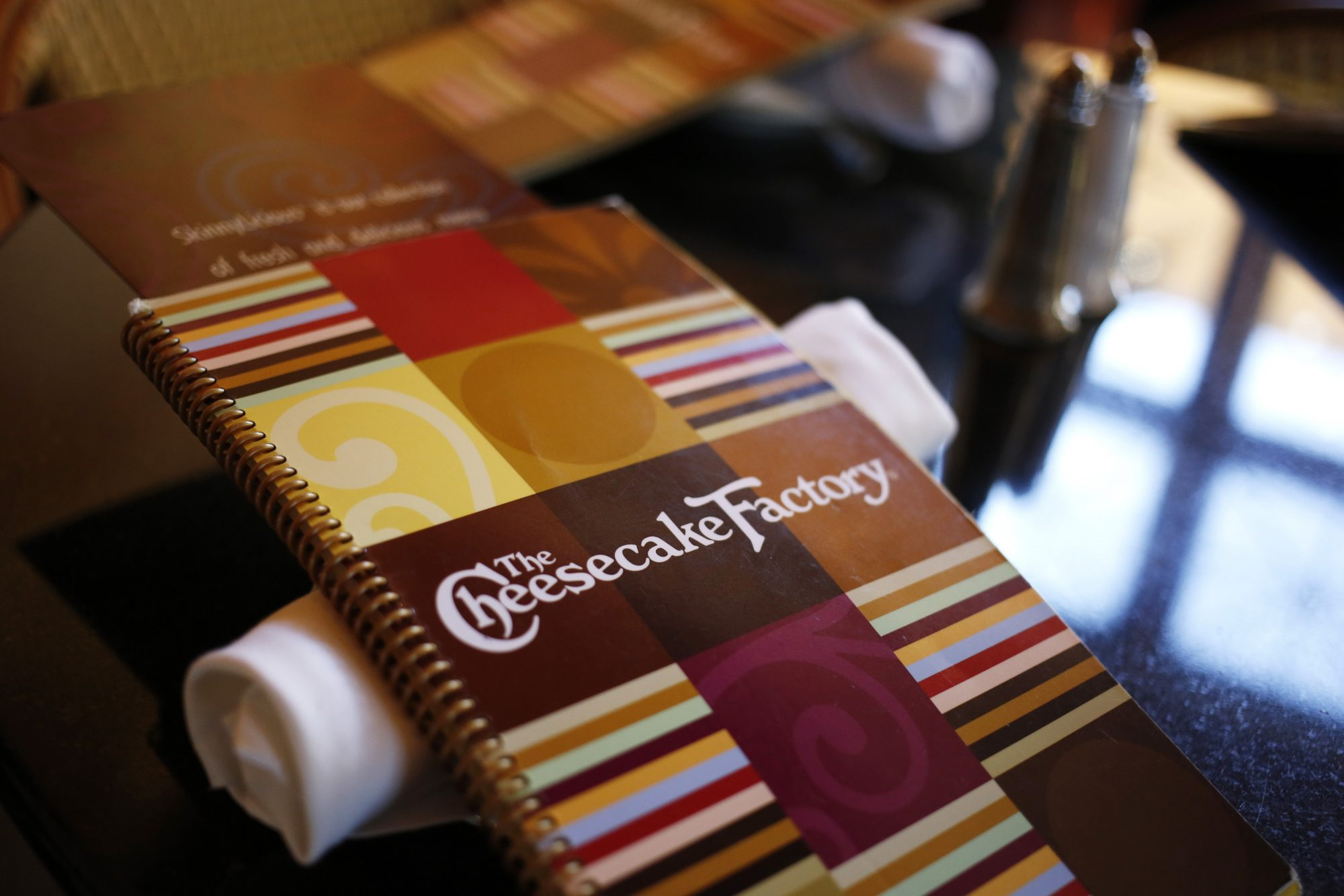 Patrons Dine At The Cheesecake Factory Restaurant In Kentucky