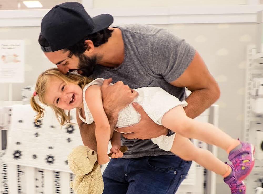 Justin Baldoni and his daughter