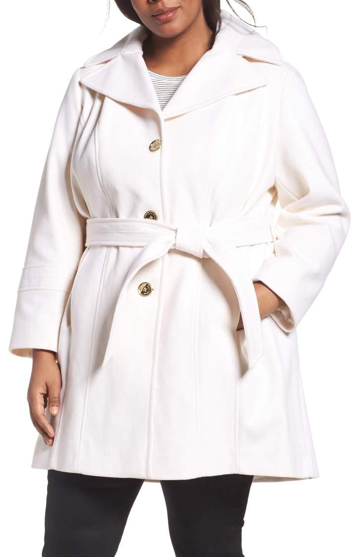 white-coat-michael-kors.jpg