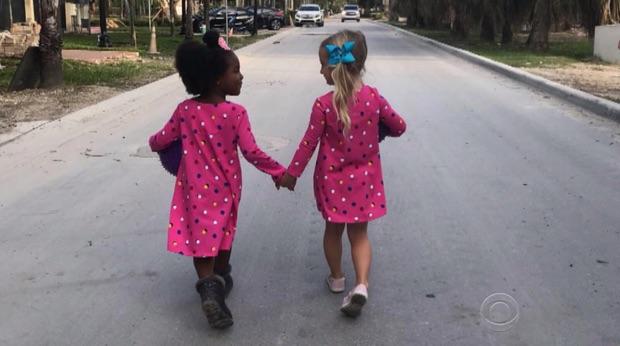 Picture of Preschool Twin BFFs