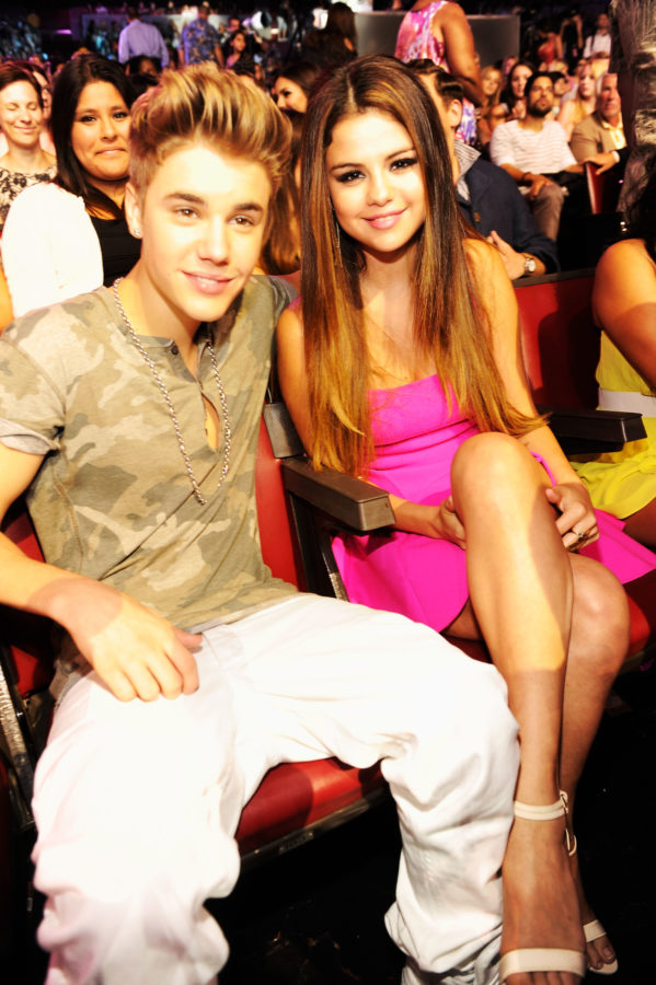 Justin-Bieber-Selena-Gomez-Teen-Choice-Awards-e1512922911502.jpg