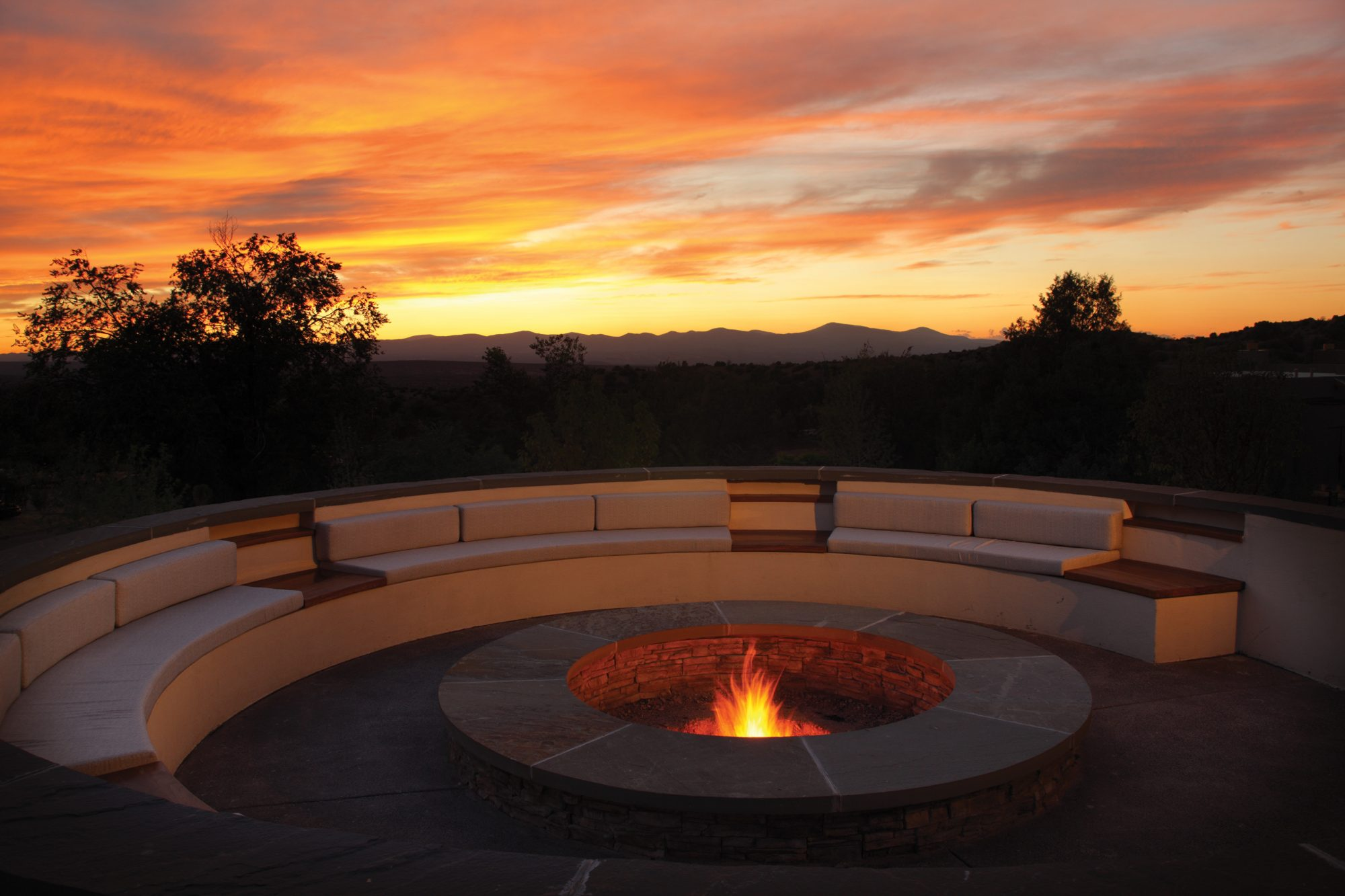 Four-Seasons-Santa-Fe-fire-pit.jpg