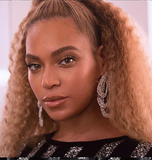 Beyoncé close up with natural hair