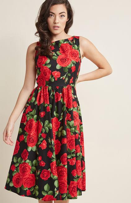 midi-dress-roses.png