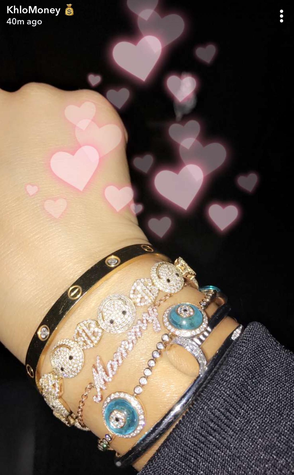 picture-of-khloe-kardashian-mommy-bracelet-photo.jpg