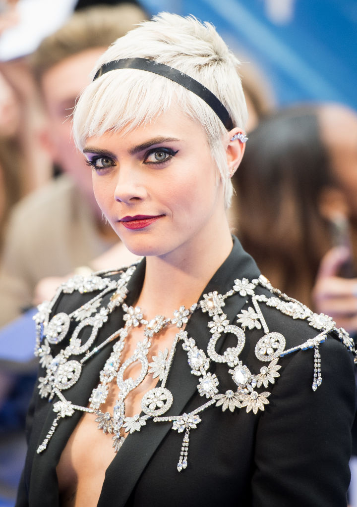Cara Delevingne Hair See Her Best Hairstyles And Beauty Transformations Hellogiggles