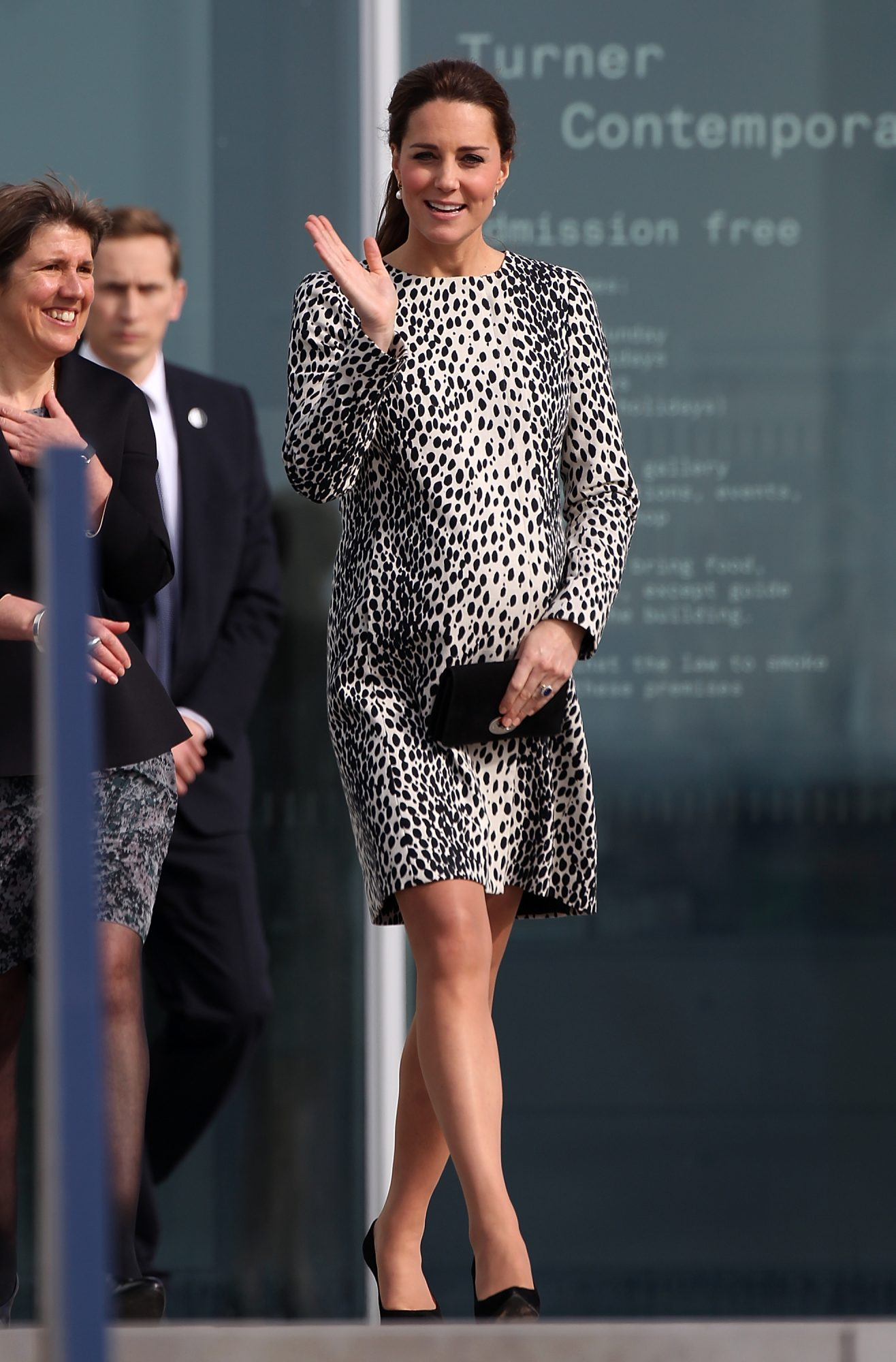KateMiddletonHobbsleoparddress.jpg