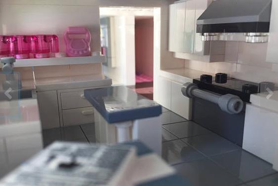 Lego-house-kitchen.jpg