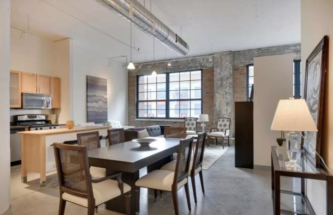 airbnb-super-bowl-rental-three.png