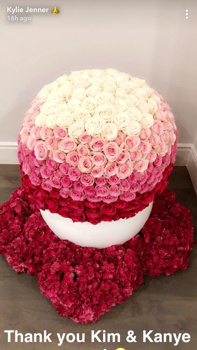 kylie-jenner-snapchat-flowers.jpg