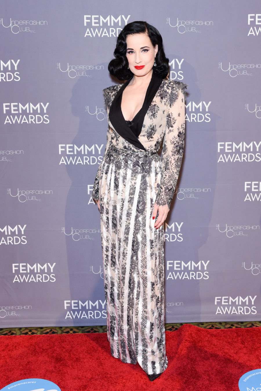 Dita Von Teese Talks To Us About Lingerie And Self Love Hellogiggles