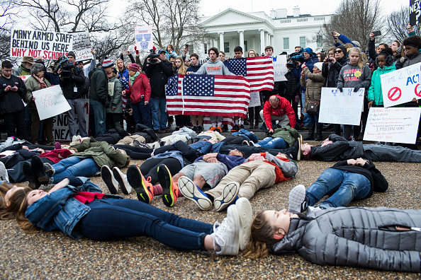 Students stage lie-in outside White House to protest gun violence