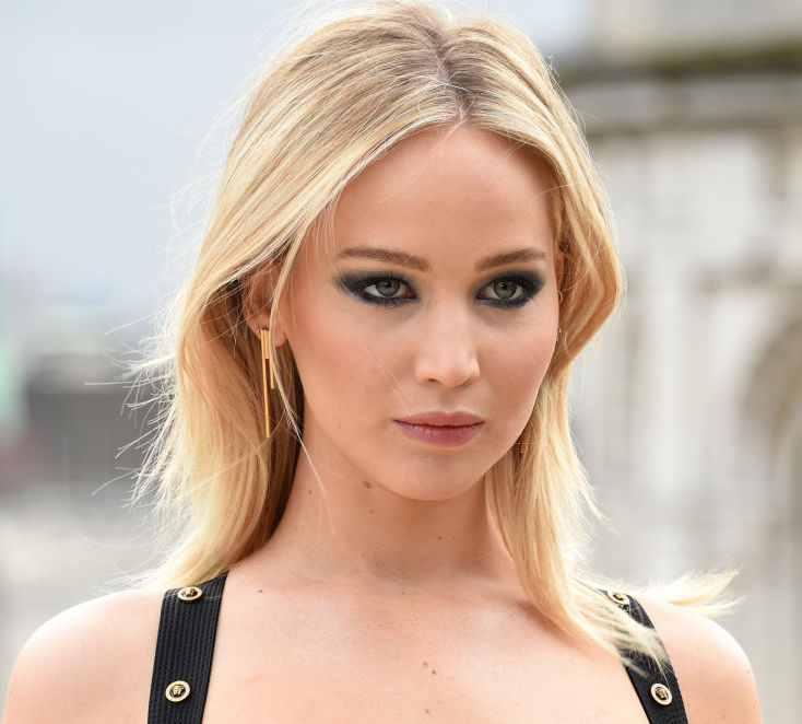 """LONDON, ENGLAND - FEBRUARY 20: Jennifer Lawrence attends the """"Red Sparrow"""" photocall at Corinthia London on February 20, 2018 in London, England."""