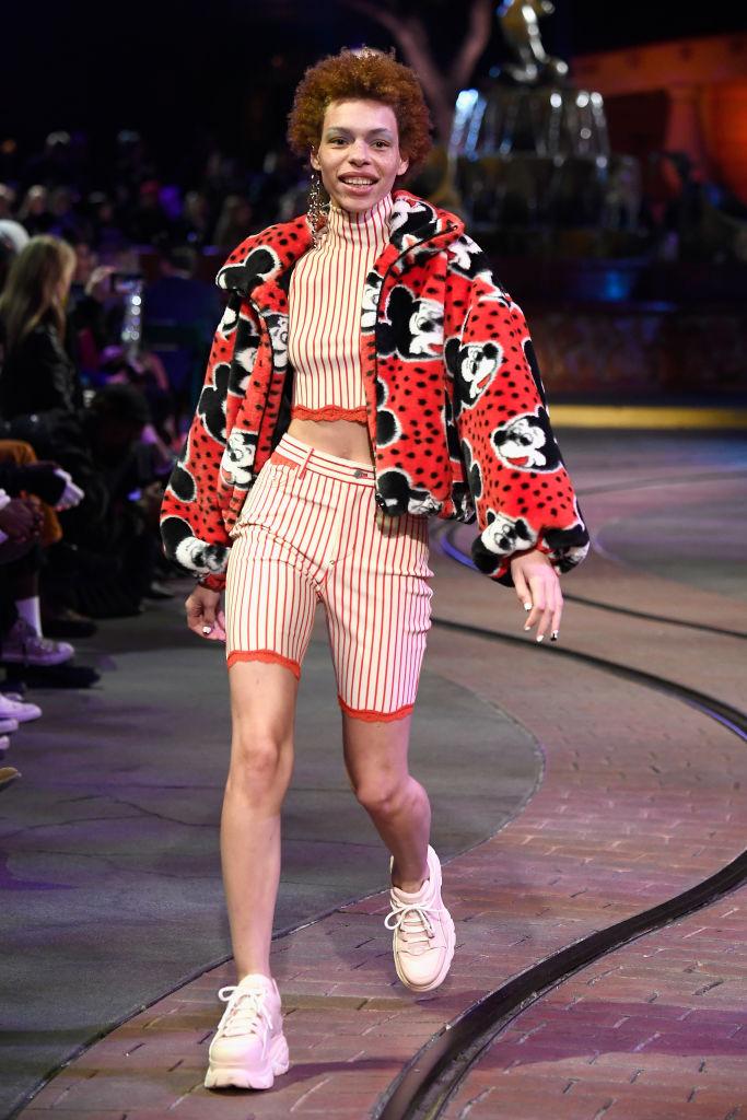 mickey-disneyland-fashion.jpg